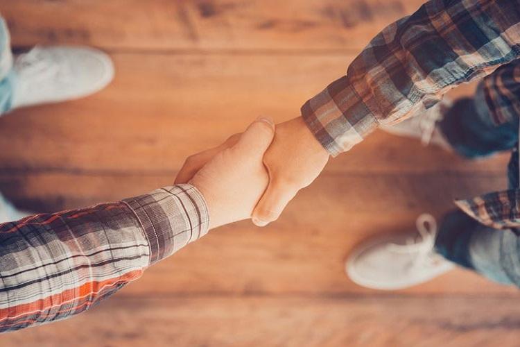 ۷ رفتاری که باعث میشود دیگران بیشتر به شما احترام بگذارند