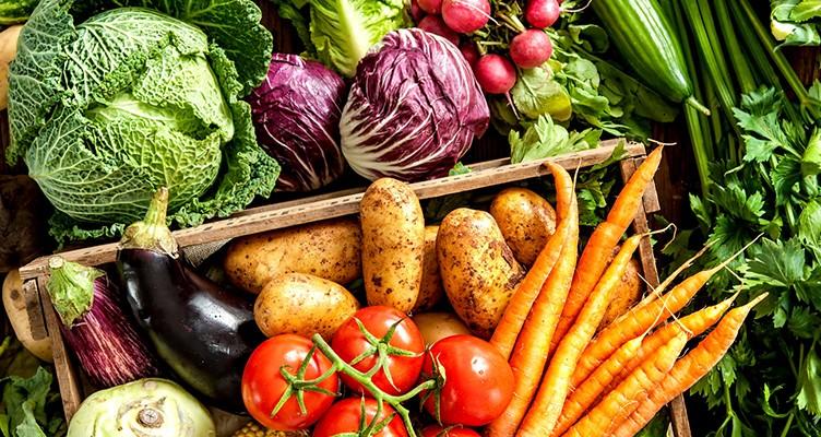 ۷ سبزی که نباید مصرفشان قطع شود