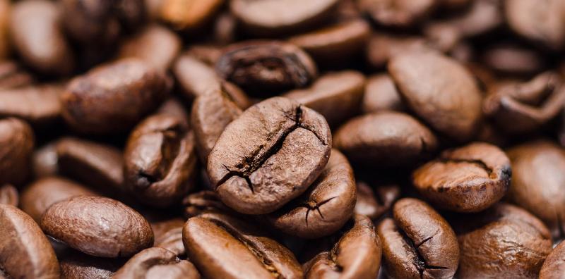 نحوه تمیز کردن قهوه ساز با مواد طبیعی