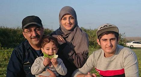 مجری جنجالی تلویزیون و خانواده اش + عکس