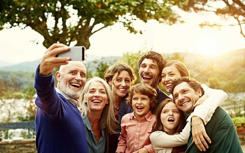 چگونه یک خانواده شاد باشیم ؟