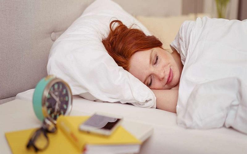 با خوابیدن در این زمان هورمون خوشبختی را کسب کنید