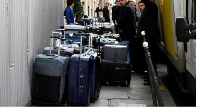 جنجال چمدان های شاهزاده سعودی در سفر به فرانسه + عکس