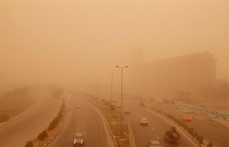 پدیده گرد و غبار به این شهر هم سرایت کرد