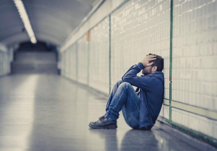 علائم افسردگی در مردان؛ ۷ علامتی که آقایان باید جدی بگیرند