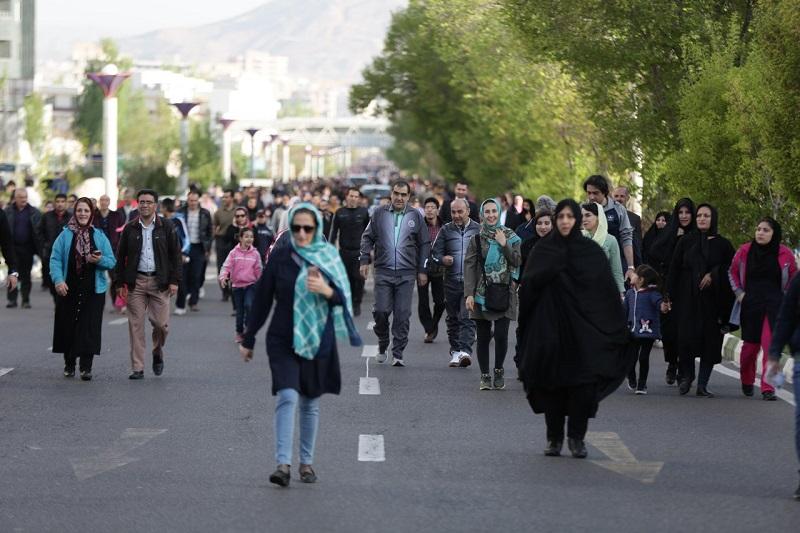 همایش پیاده روی خانوادگی با حضور وزیر بهداشت+عکس