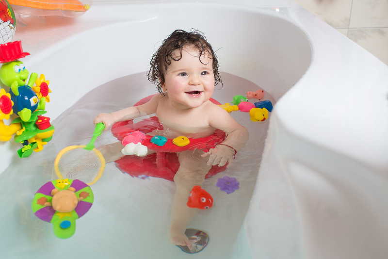 اسباب بازی های حمام سلامت کودکان را تهدید می کنند