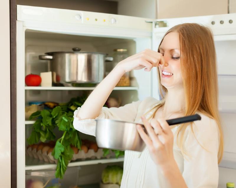راههایی ساده و سریع برای رفع بوی بد یخچال
