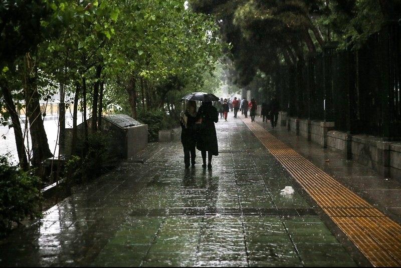 هوای ۲۳ استان کشور بارانی میشود