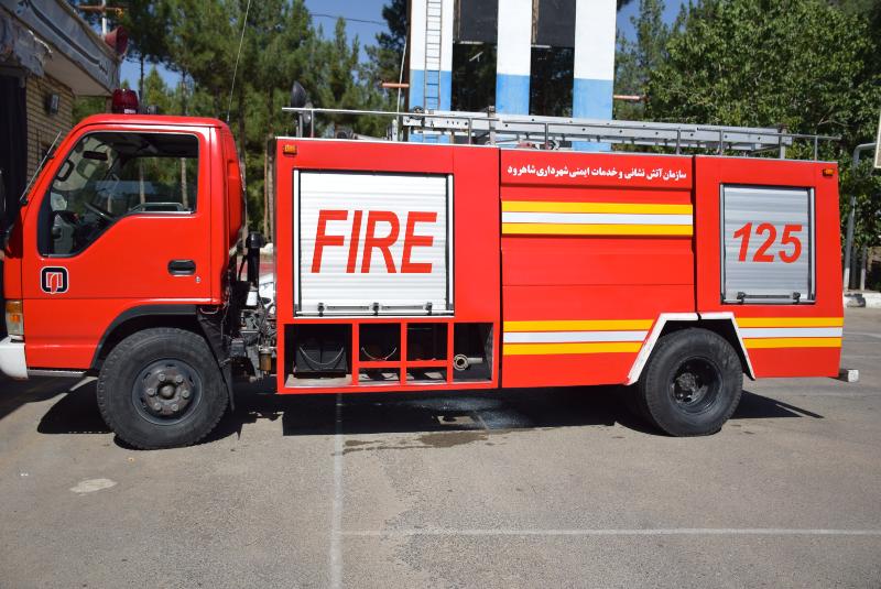 توضیحات آتش نشانی در مورد سقوط داربست در سعادت آباد