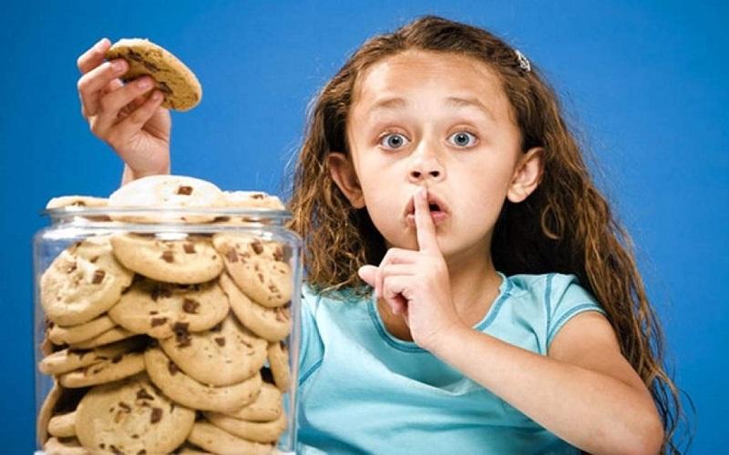 فرزند دروغگوی خود را تهدید نکنید