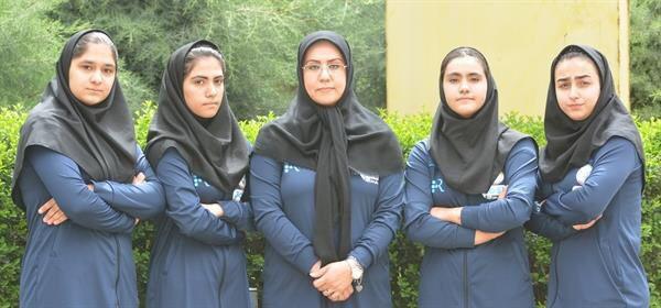اولین تیم ملی وزنهبرداری زنان ایران + عکس