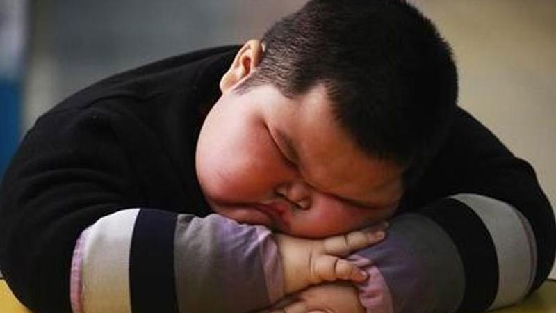 افراد چاق بیشتر بخوابند