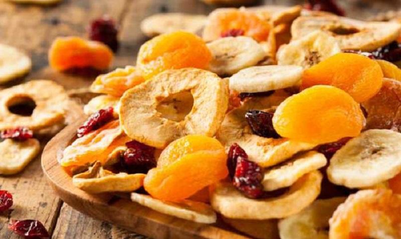 میوه تازه مصرف کنیم یا میوه خشک؟