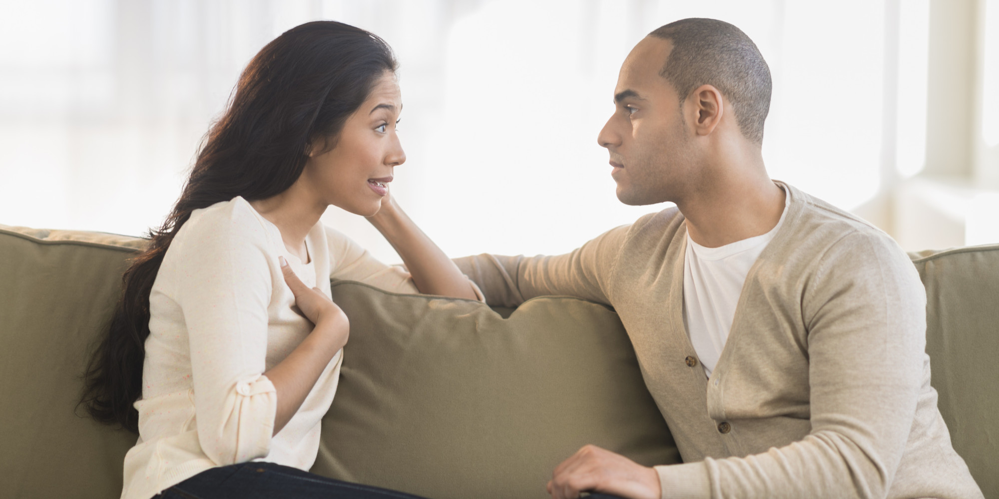 هرگز این ۷ جمله دردسرساز را به همسرتان نگویید