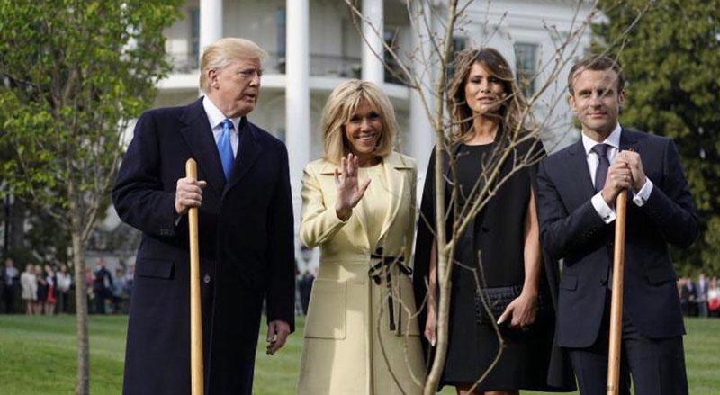 ترامپ و مکرون در کاخ سفید بیل به دست شدند + عکس
