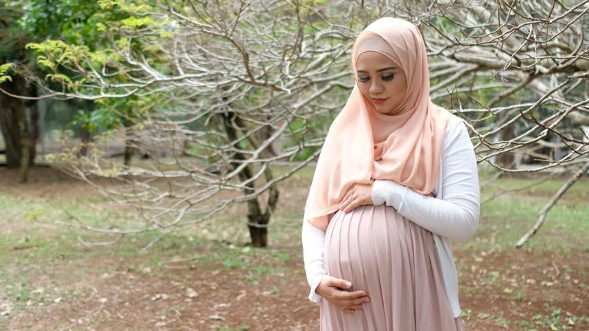 اولین نشانه های بارداری چیست؟