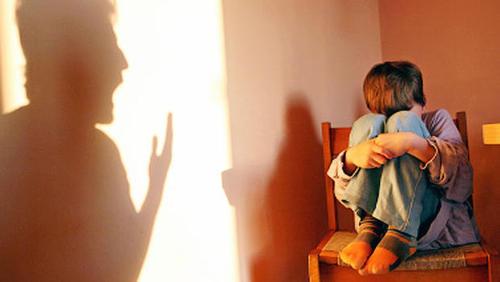 والدین عامل اغلب خشونت های خانوادگی | اینفوگرافیک
