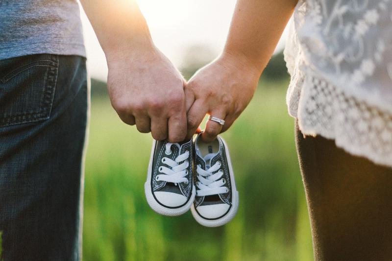 علت لرزش جنین درشکم مادر چیست؟