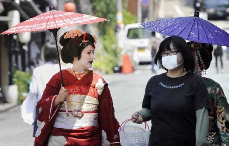 روش عجیب زنان ژاپنی برای فرار از تنهایی