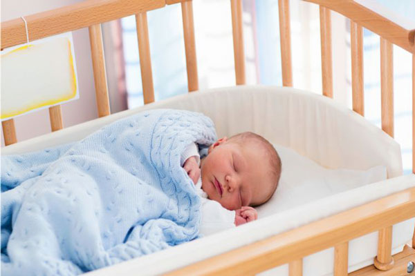 خواب نوزاد سه ماهه چقدر است و چگونه تنظیم می شود؟