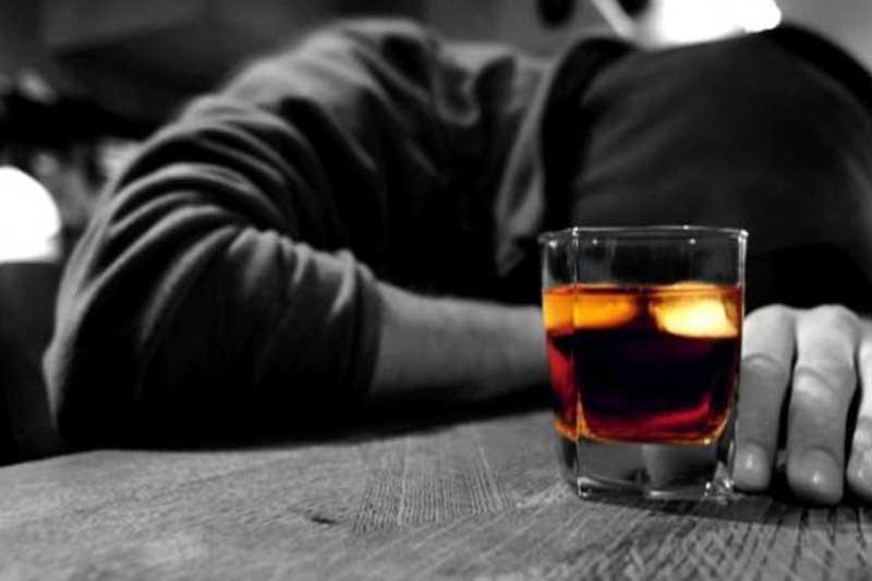 الکل چگونه به کبد آسیب میرساند؟