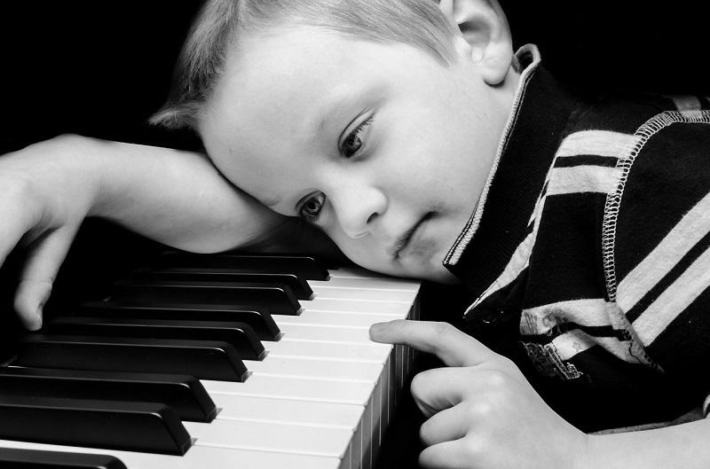 علائم افسردگی در کودکان  و روش درمان آن