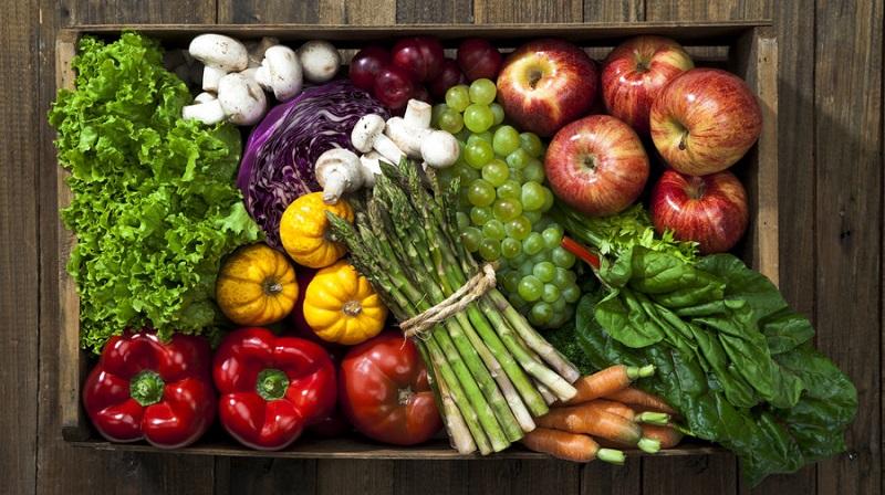 قسمت هایی از میوه ها و سبزیجات که نباید بخورید