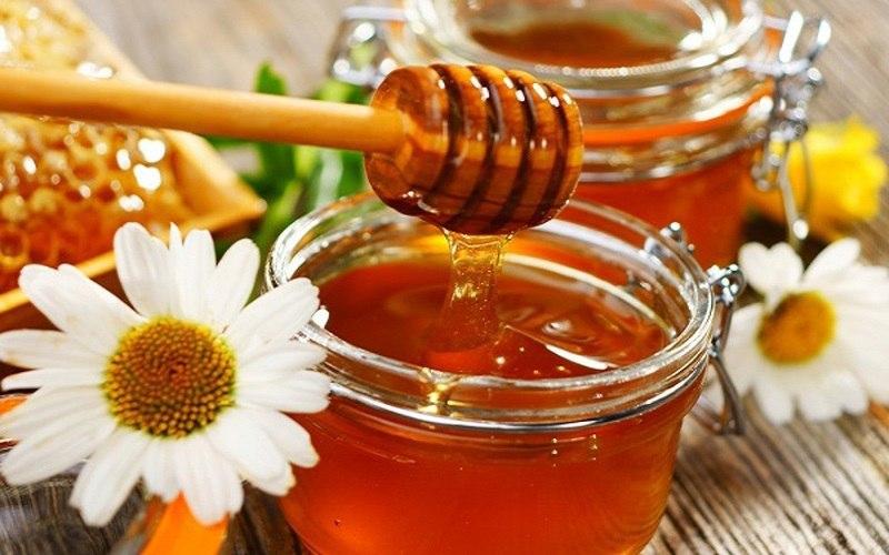 برای درمان سرفه این 5 گیاه را با عسل ترکیب کنید