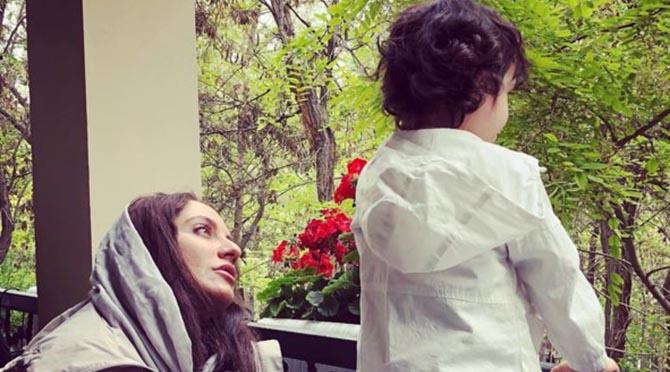مهناز افشار و دخترش در شمال + عکس