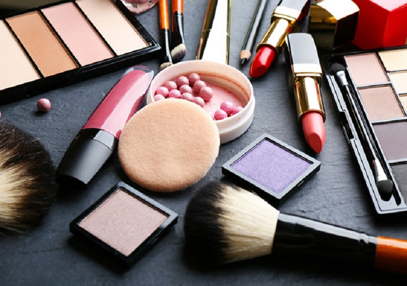لزوم ترویج فرهنگ استفاده از محصولات حلال آرایشی
