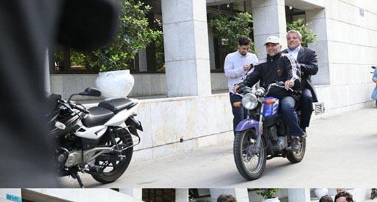 محسن هاشمی با موتور به یک مراسم رسمی رفت! + عکس