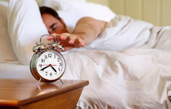 چگونه خواب آلودگی صبحگاهی را رفع کنیم؟