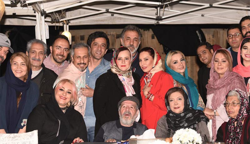 مهمانی جواد رضویان برای دوستان بازیگرش! + عکس