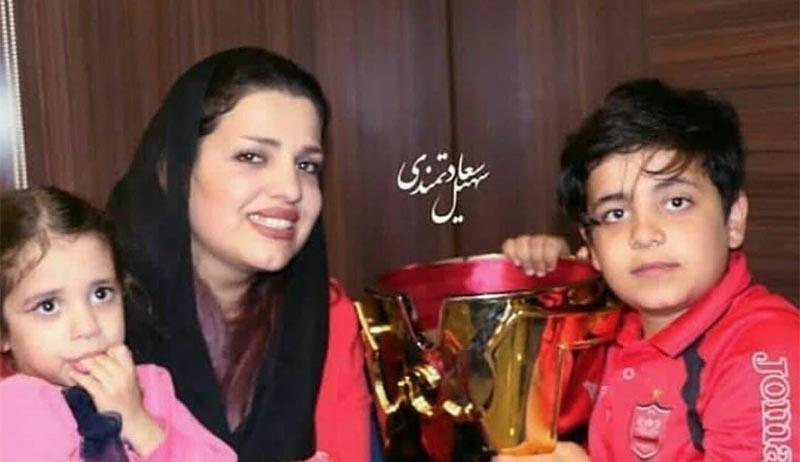همسر و فرزندان هادی نوروزی در جشن قهرمانی پرسپولیس + عکس