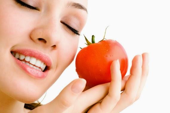 خواص شگفت انگیز روغن هسته گوجه فرنگی در زیبایی