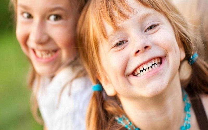 10 فایده لبخند زدن برای سلامتی