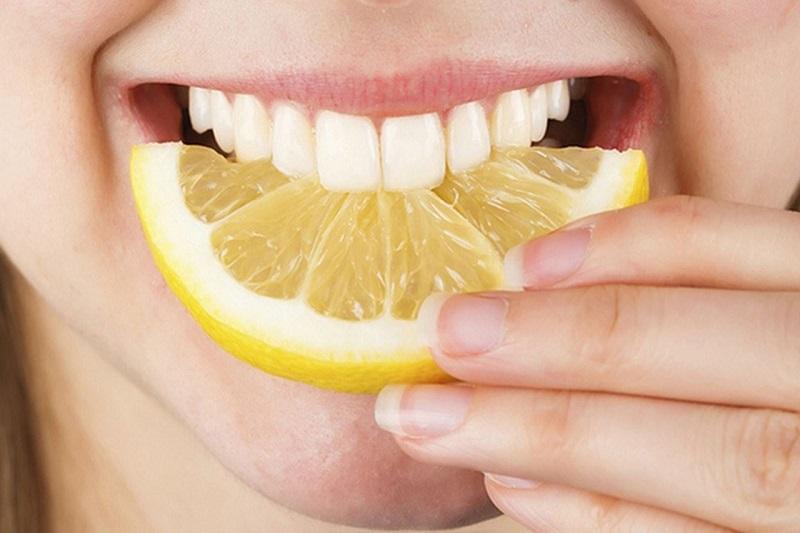 سفید کردن دندان با خوراکی های خوشمزه