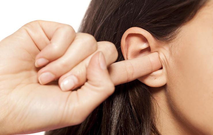 روش صحیح تمیز کردن گوش
