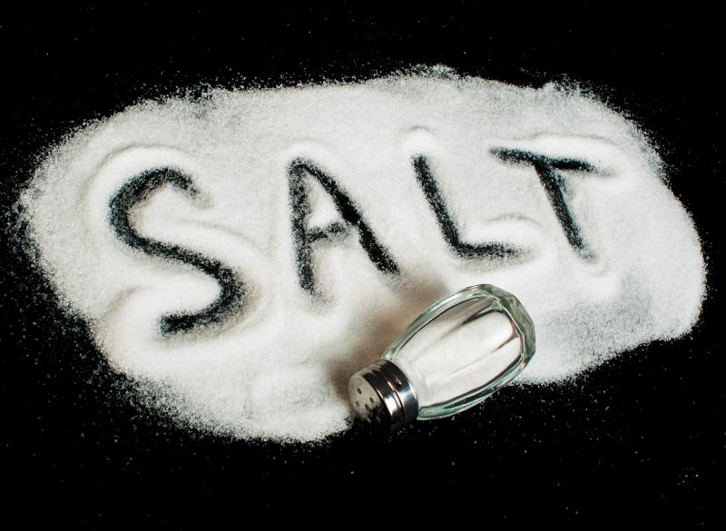 10 ترفند جالب استفاده از نمک