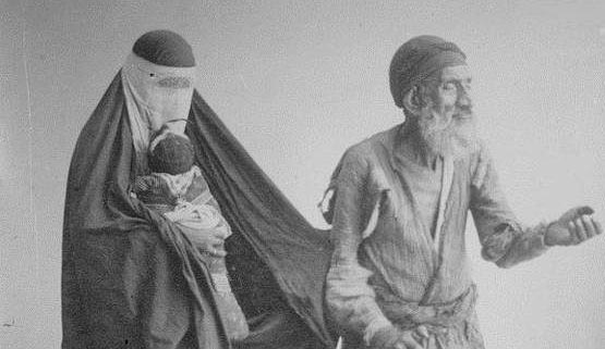 گدایی در زمان قاجار + عکس