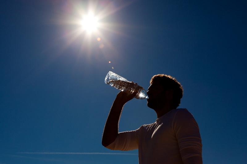 کمبود آب بدن چه بلایی سرتان می آورد؟