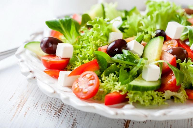 این رژیم غذایی به کاهش کم شنوایی زنان کمک میکند