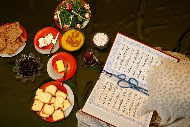 امام رضا(ع) با چه دعایی افطار میکرد؟