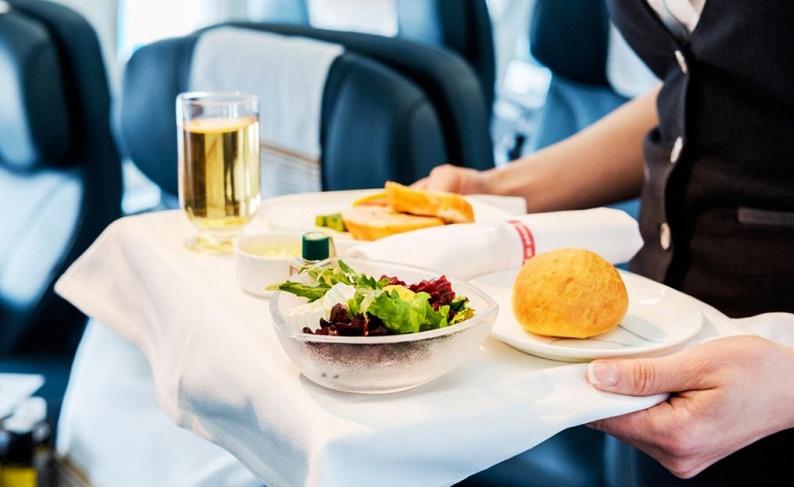 خوردن این غذاها در هواپیما ممنوع