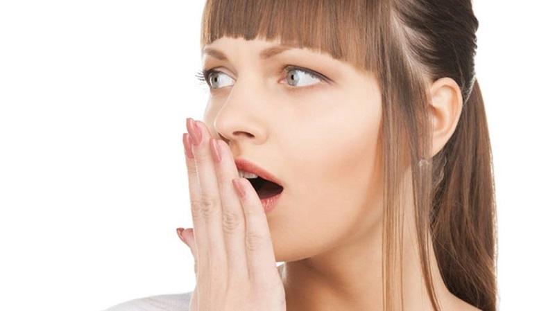 رهایی از بوی دهان با یک دهانشویه خانگی
