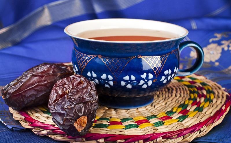 روزه را با چای باز کنیم یا خرما؟