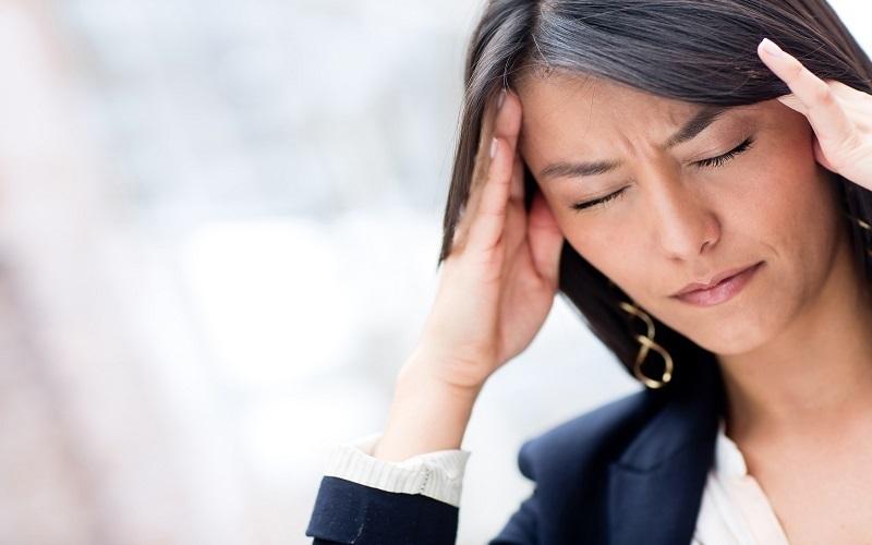 ماساژ این نقاط بدن شما را از شر سردرد خلاص میکند