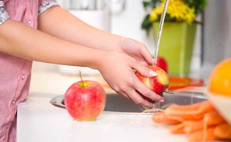 بهترین روش برای شستن سیب