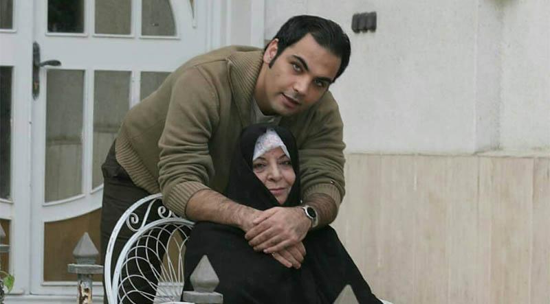 تیپ متفاوت احسان علیخانی به همراه مادرش + عکس